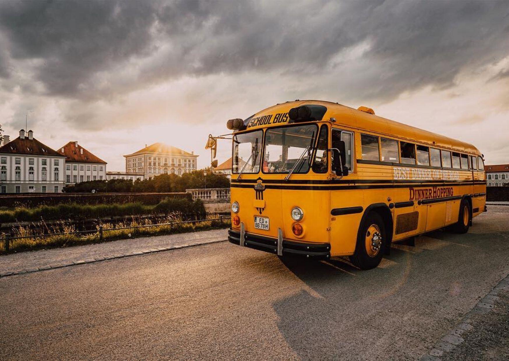 DinnerHopping-CrownBus München