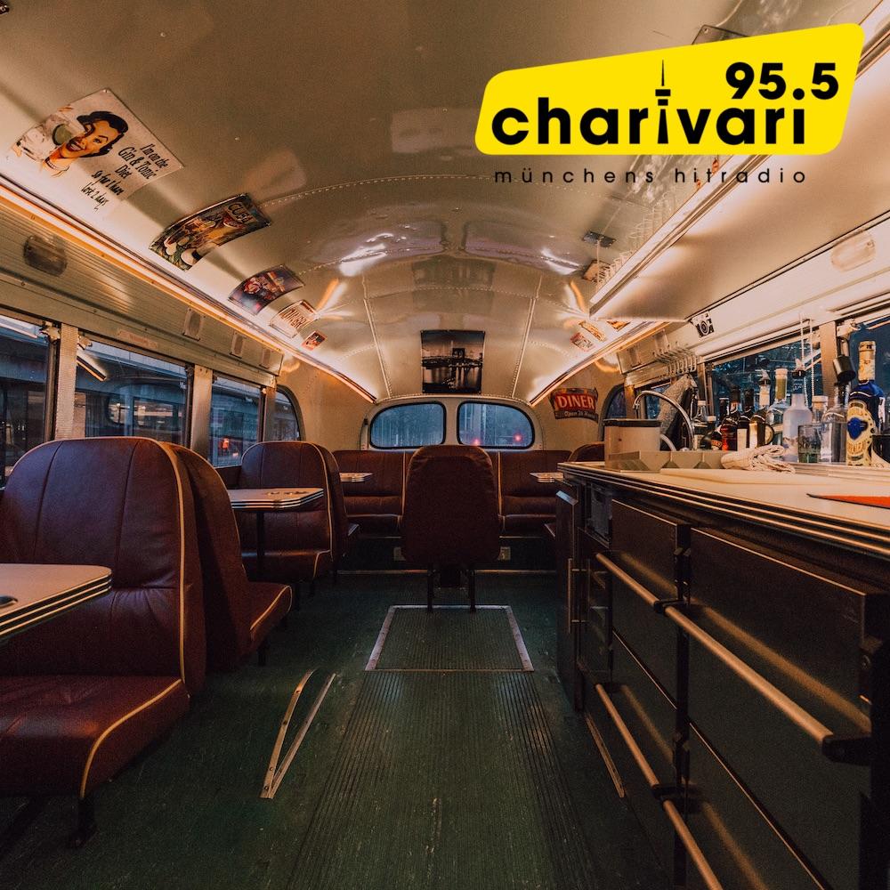 DinnerHopping Bus Innenraum Charivari Interview Crowdfunding